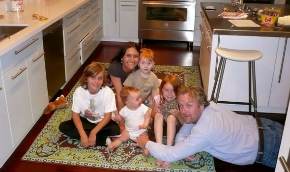 File:Andrew Breitbart With His Family.png