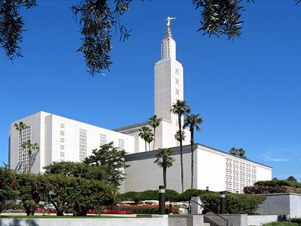 Los Angeles temple.jpg