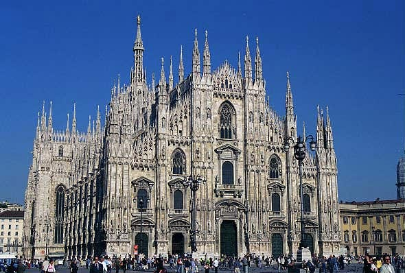 Famous cathedrals conservapedia for Burgo milano