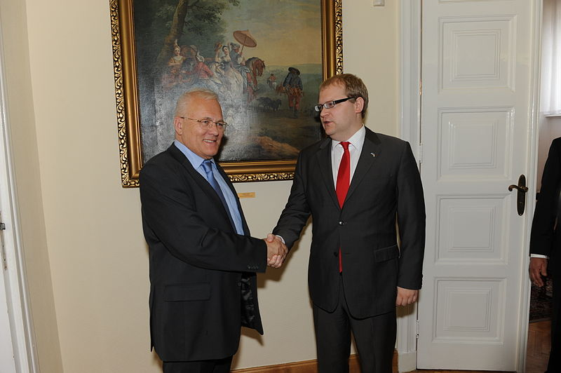 File:Estonian politician Paet meets with Hungarian colleague.jpg