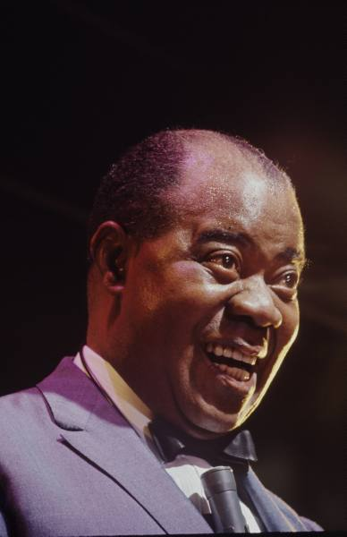 File:Louis Armstrong.jpg