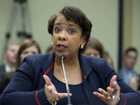 Ct-loretta-lynch-hillary-clinton-email-20160712.jpg