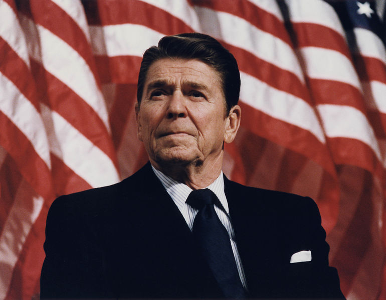 File:Reagan-at-durenberger-rally.jpg